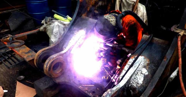 Emergency Repairs, Machinery repairs, fabrication, Gold Coast Mobile Welding, Gold Coast Welding, Welding Repairs, Welding Fabrication, Tweed Heads Welding, Murwillumbah Welding, Beaudesert Welding, Brisbane Mobile Welding